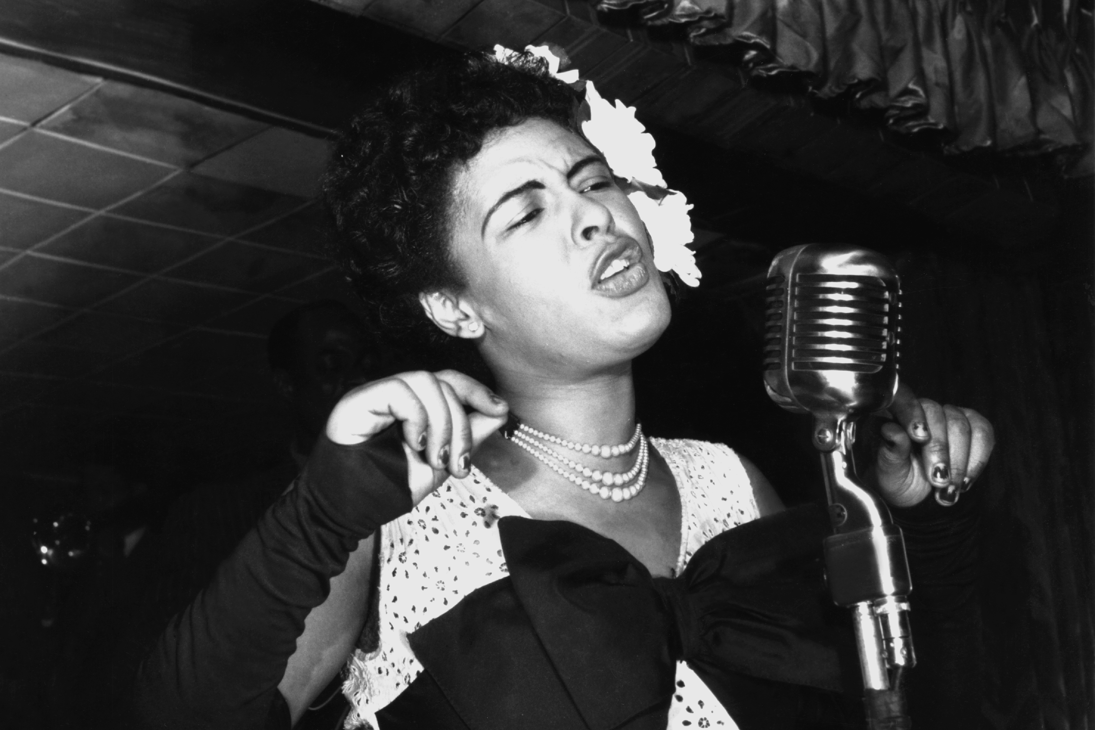 Billie Holiday hair