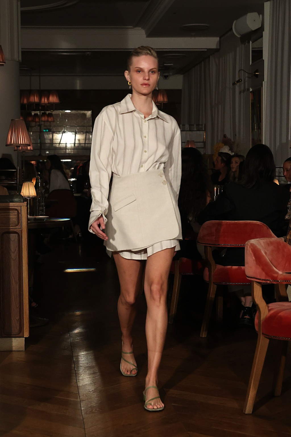 Margot Robbie Anna Quan
