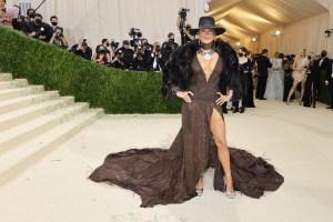 Jennifer Lopez Met Gala